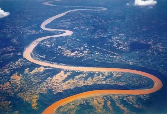 1-1黄河流域生态保护.jpg